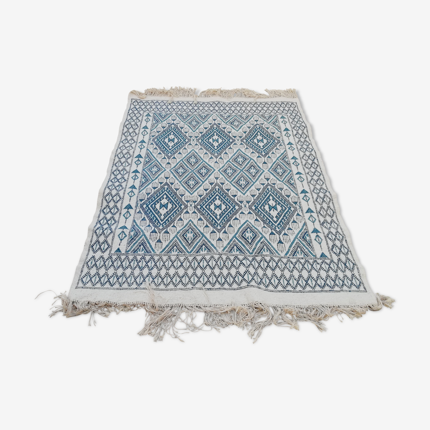 Tapis bleu, tapis blanc, tapis berbère, tapis en laine, tapis marocain