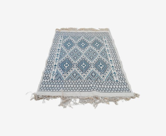 tapis bleu tapis blanc tapis berb re tapis en laine tapis marocain laine coton bleu. Black Bedroom Furniture Sets. Home Design Ideas