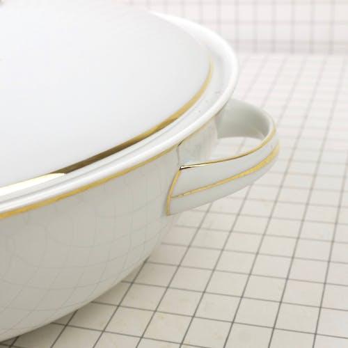 Soupière en porcelaine de Limoges
