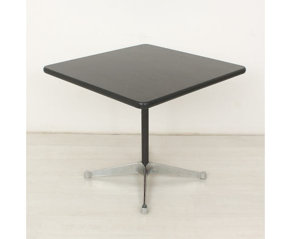 Table by Ray & Charles Eames for Vitra