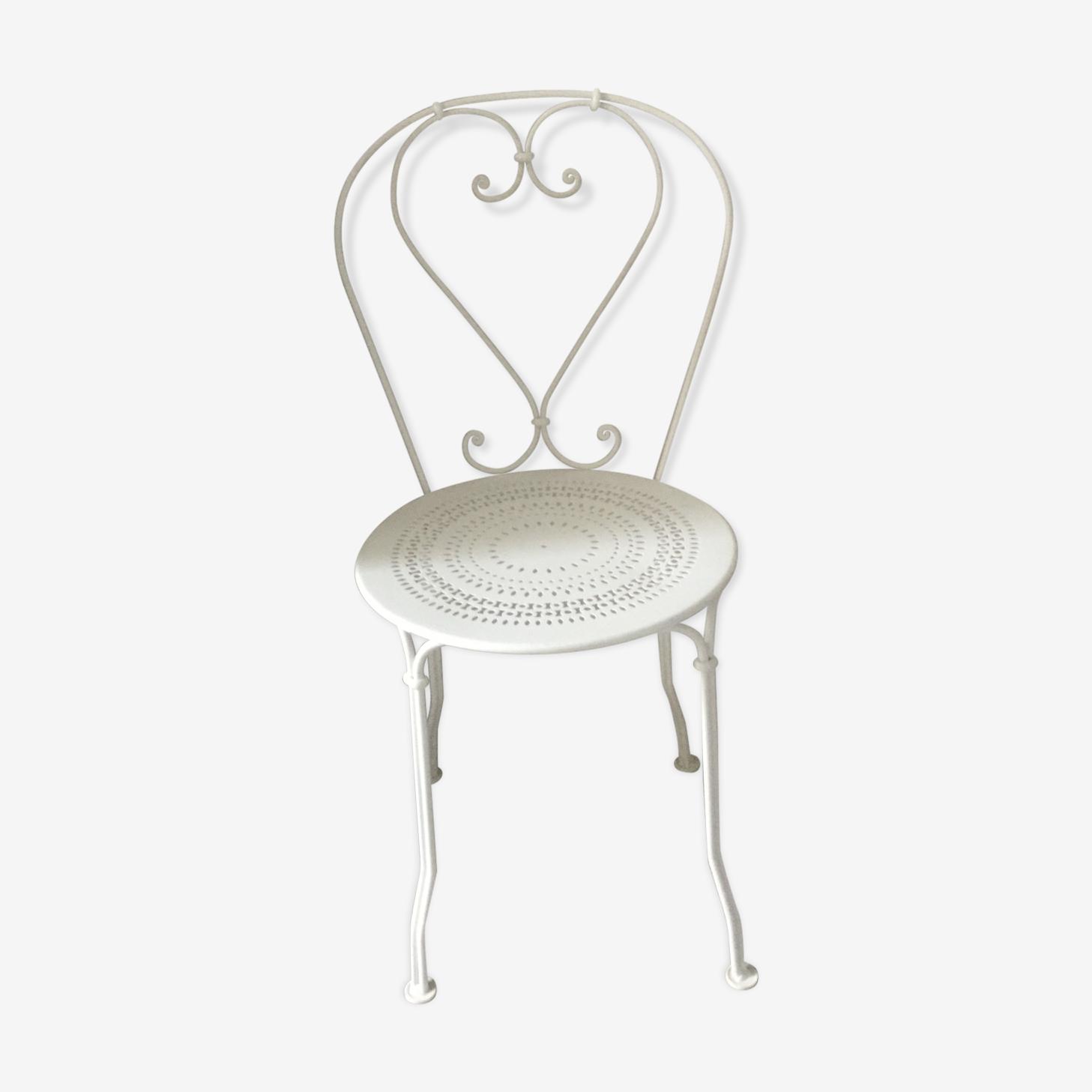 White metal chairs