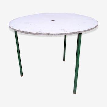 Table de jardin ronde à piètement métal tripode et plateau amovible en aggloméré