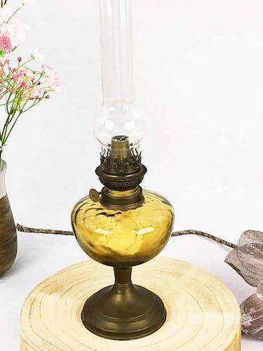 Lampe à pétrole laiton et ambre