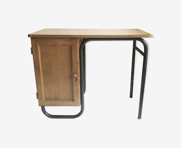 Child writing desk
