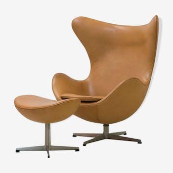 Egg chair and ottoman cognac leather, Arne JACOBSEN - 1960 Chair