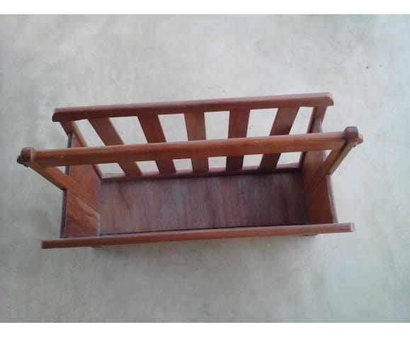 Porte revue en bois
