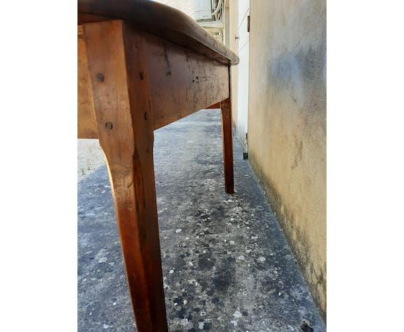Table de ferme ancienne ovale en noyer 1m55