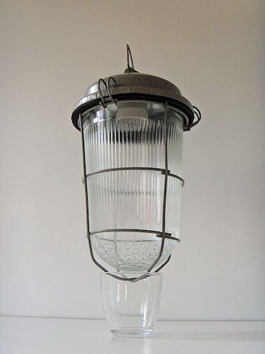 Lanterne suspendue en métal et verre
