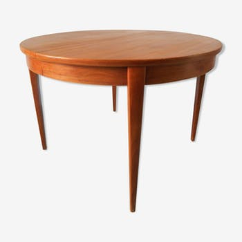 Teak round table, extendable