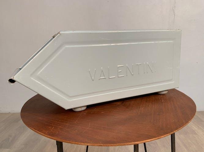 Gray locker Valentini