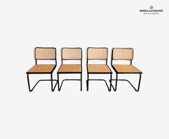Lot de 4 chaises noires modèle B32 design par Marcel Breuer