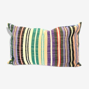Multicolor striped cushion and wax