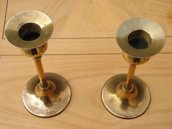 Paire de chandeliers en laiton