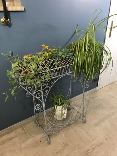 Jardinière porte plantes sur pieds en fer forgé fin XIXème
