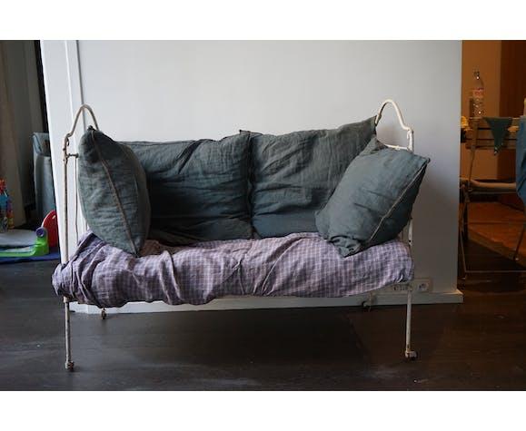Canapé lit en fer forgé