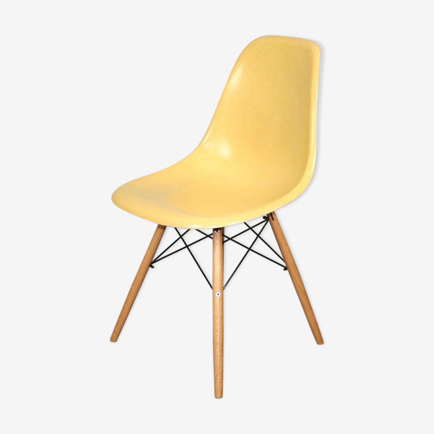 Chair dsw ochre Eames Herman Miller vintage oak