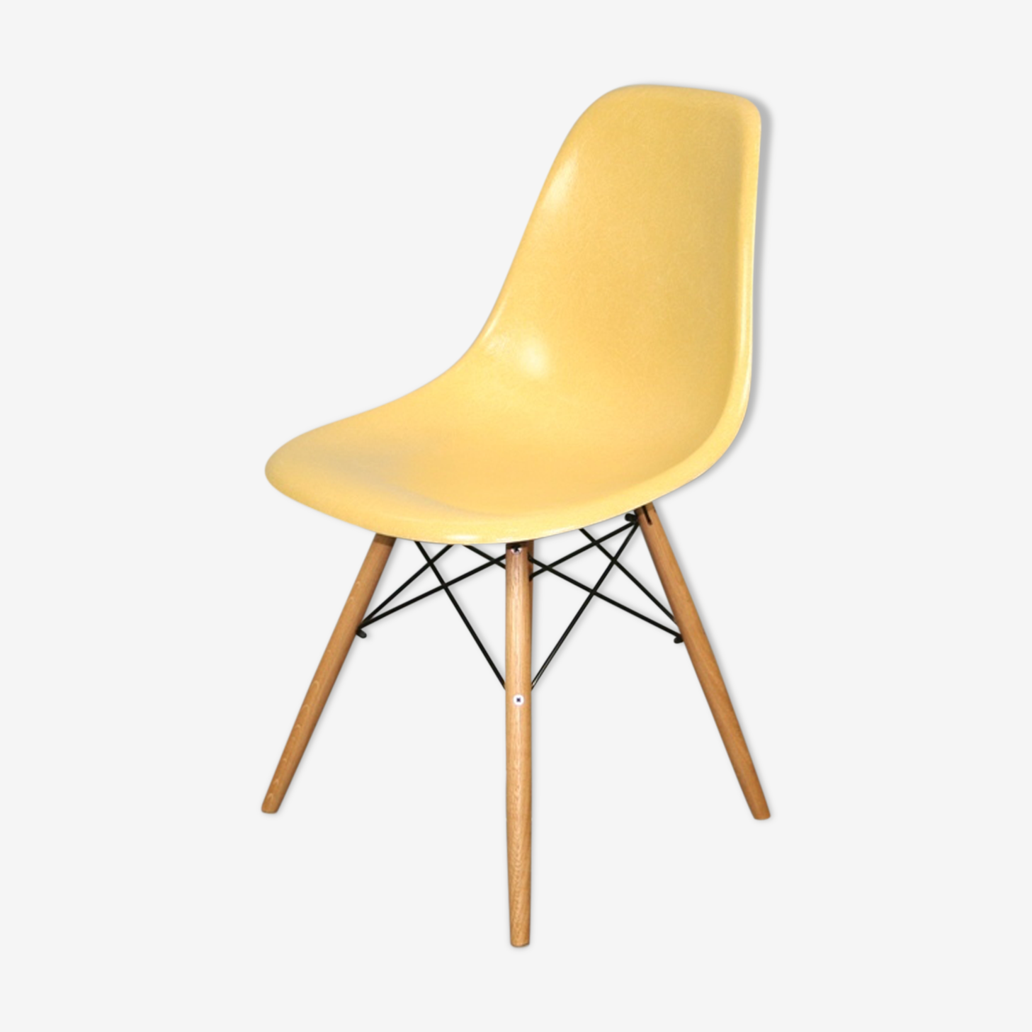 Chaise dsw ocre Eames Herman Miller vintage chêne