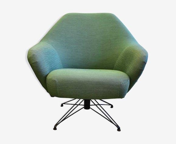 Tecno P32 chair by Osvaldo Borsani