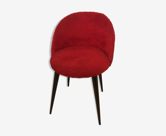 Chaise moumoute rouge