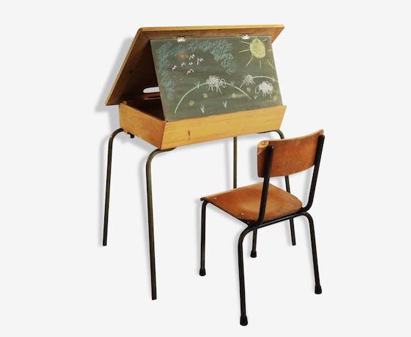 Bureau pour enfant. bois clair et structure tubulaire bois