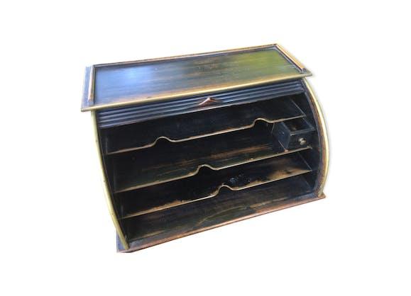 ancien critoire range courrier bois mat riau bois. Black Bedroom Furniture Sets. Home Design Ideas