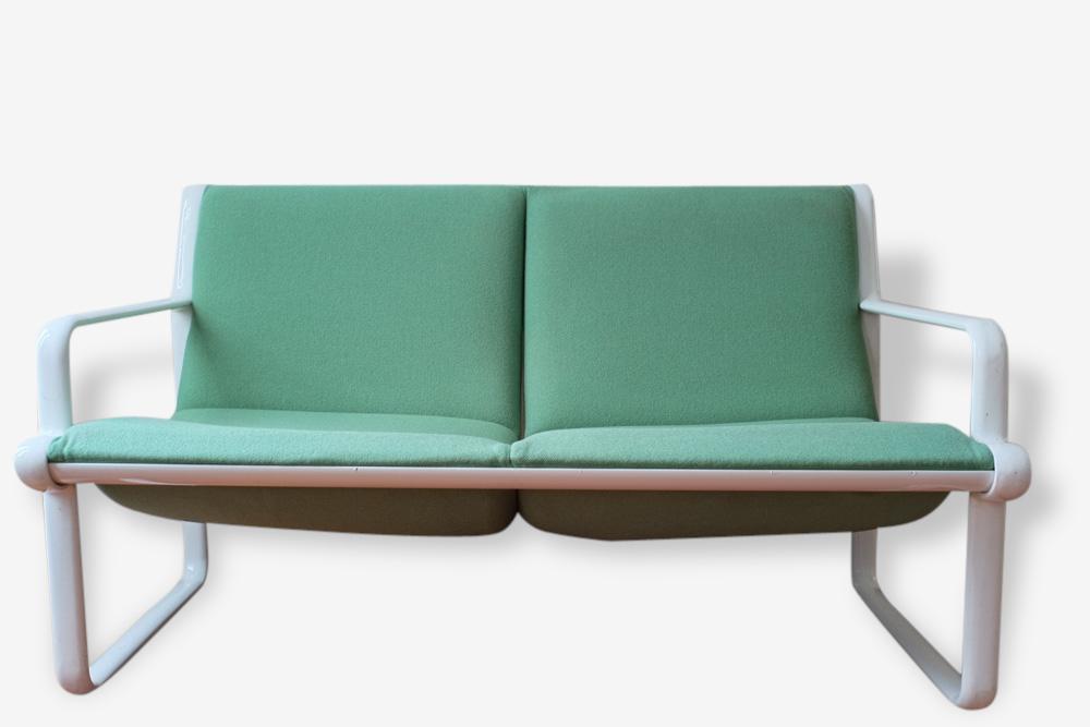 Hannah et Morrison green sofa