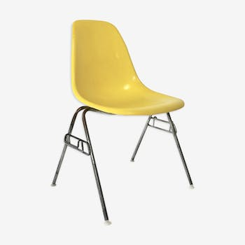 DSS chair by Charles and Ray Eames for Herman Miller