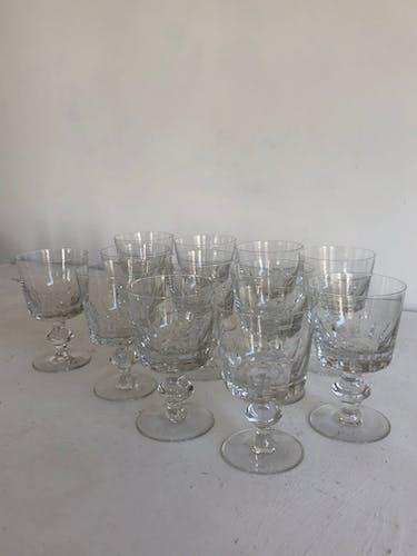 Ensemble de 12 verres à pied