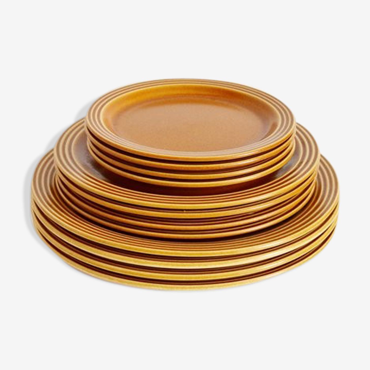 Set of 12 plates