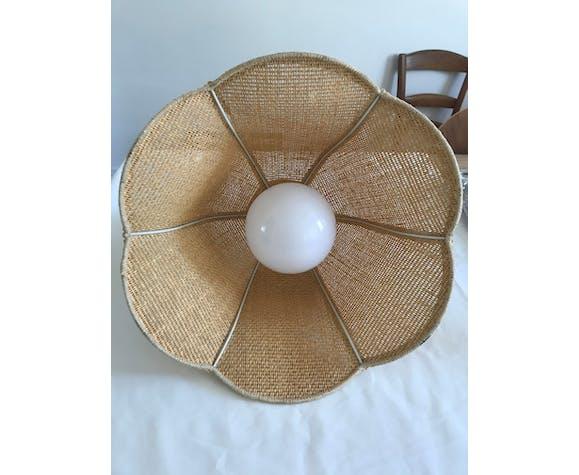 Suspension en forme de cloche florale