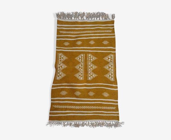 Tapis kilim berbère jaune et blanc fait à la main 60x190cm