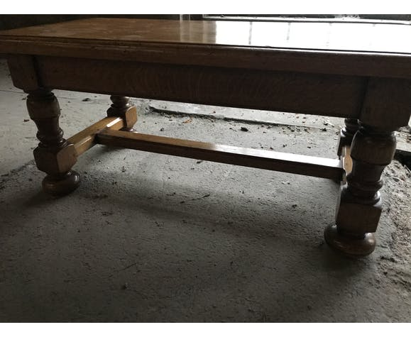 Table basse en chêne rustique