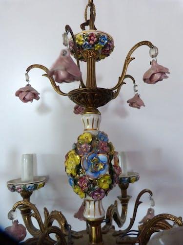 Lustre en bronze italien capodimonté fleur barbotine vieux rose