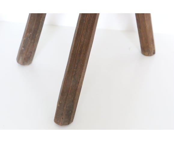 Tabourets tripodes de ferme rustiques