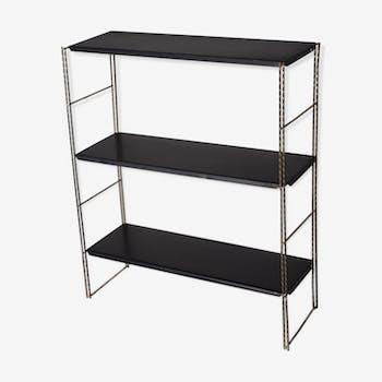 Metal string shelf