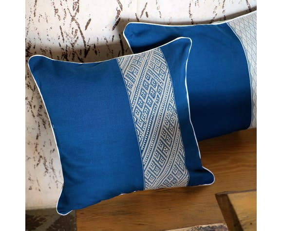 Square decorative cushion blue and white ethnic patterns