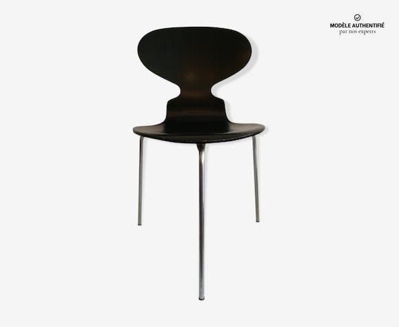 Chaise fourmi 3 pieds par arne jacobsen ann es 70 bois mat riau noir scandinave 1dglgmq for Chaise 3 pieds