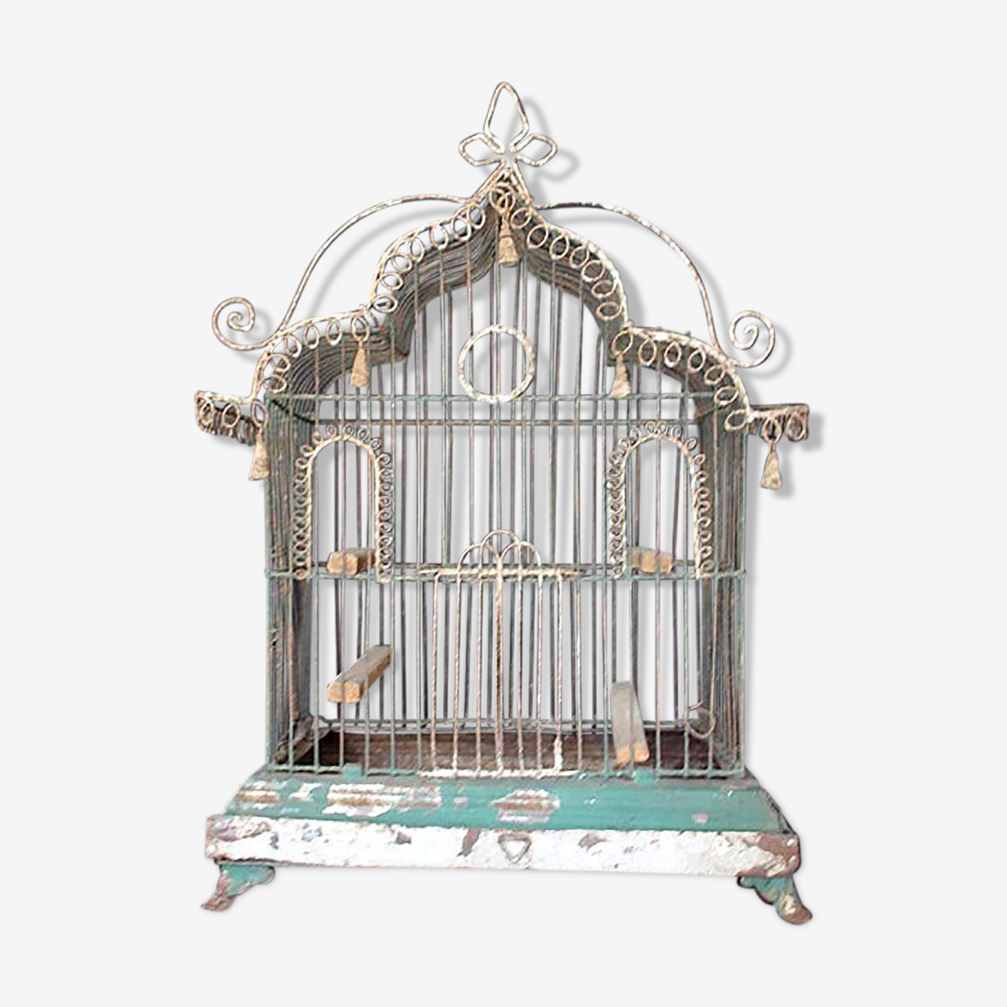 Bird cage in wire mesh of the 19th century