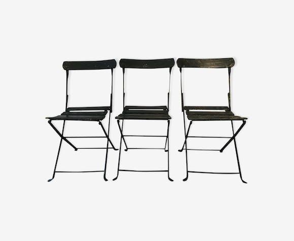 Suite de trois chaises pliantes anciennes