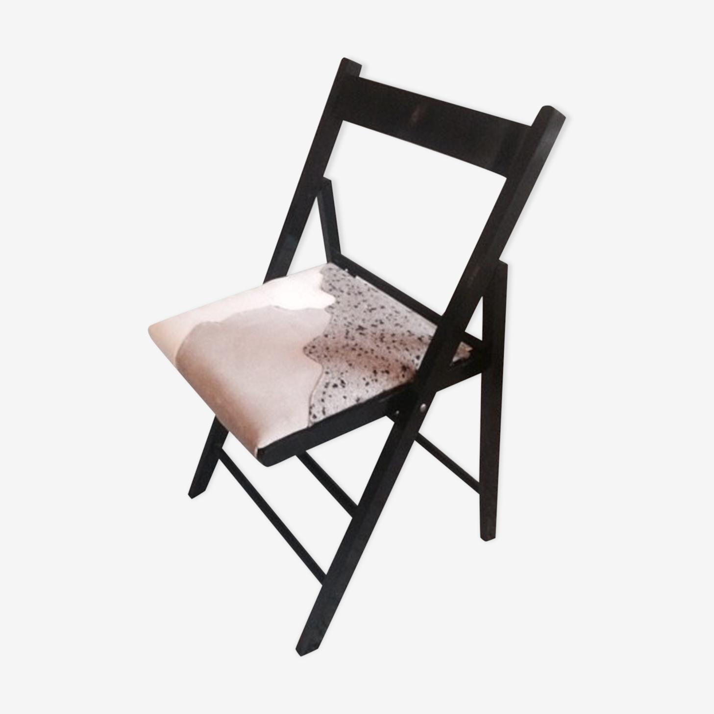 Chaise pilante noire motif graphique