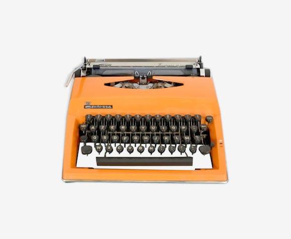 """Machine à écrire orange Triumph """"Contessa de luxe"""""""