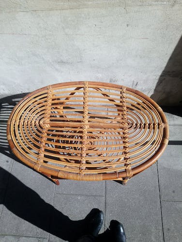 Table oval rattan 59 cm in height