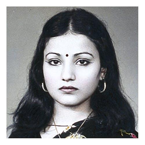 Photographie d'une belle habitante de Bombay en sari
