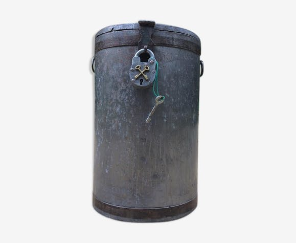 Round box industrial metal barrel with solid padlock
