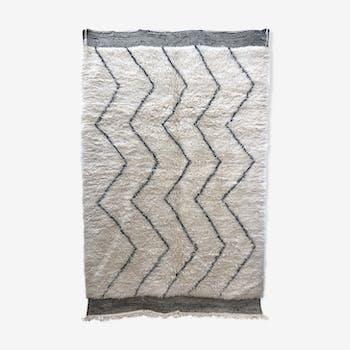 Tapis berbère marocain Marmoucha à zigzags noirs 2,71x1,72m