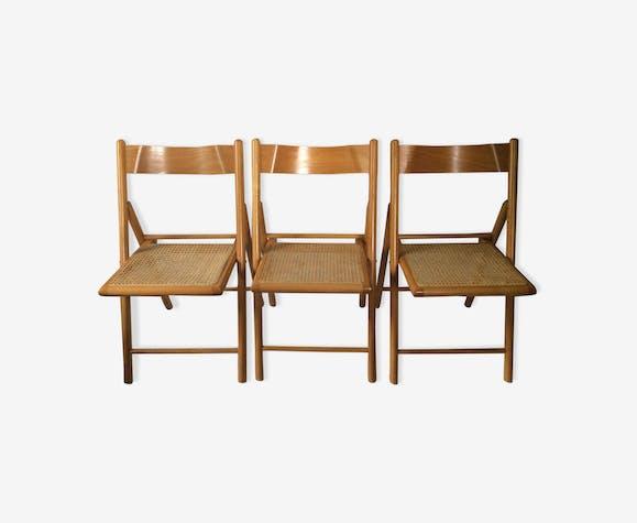 Trio de chaises pliantes cannées vintage