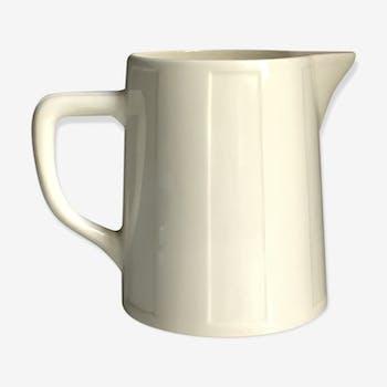 Former pitcher, earthenware of Salins