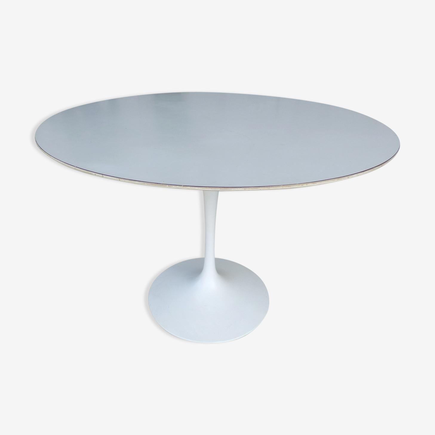 Tulip Table Knoll Eero Saarinen