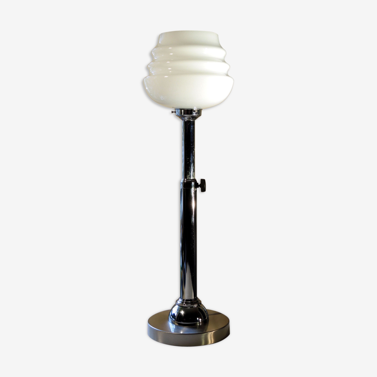 Lampe en opaline chromée 1960