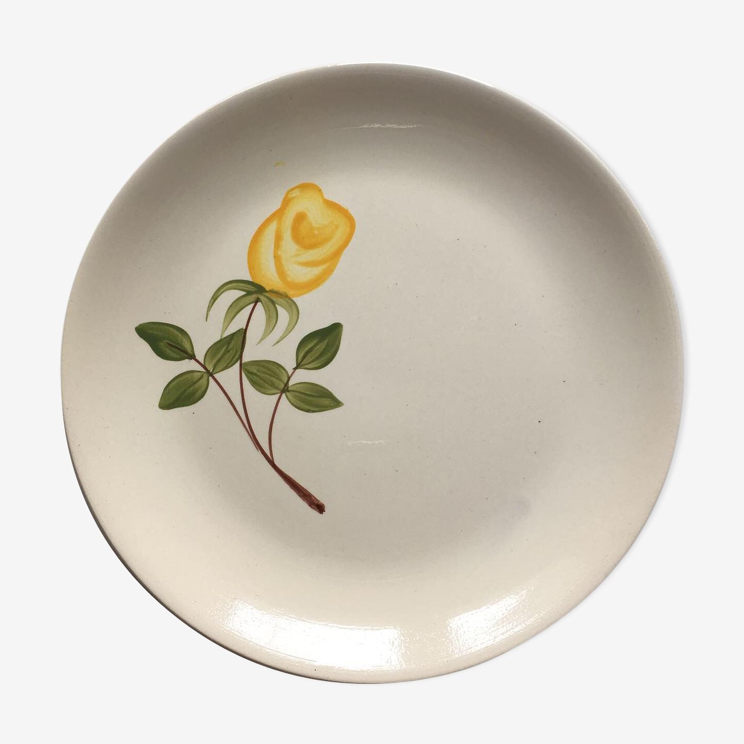 Assiette en faience de Digoin décorée d'une rose jaune